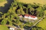 Sprzedamy zabytkowy pałac z funkcją hotelową pod Warszawą