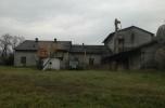 Budynek gorzelni z dużym placem