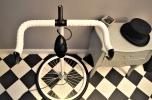 Designerskie lampy z części rowerowych