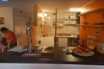 Dobrze prosperujący lokal/bar gastronomiczny.36m+36m zaplecza magazynowego, niski czynsz