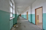 Działka inwestycyjna z budynkiem szkoły