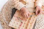 Ekologiczne zabawki w oparciu o uznane metody Montessori, dwujęzyczność, metoda sylabowa