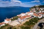 Ekskluzywna willa W Chorwacji z apartamentami pod wynajem i penthousem oraz własną winiarnią.