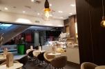 Kawiarnia w centrum handlowym (galerii)