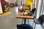 Sala zabaw, opieka dzienna dla dzieci, zajęcia rozrywkowe i edukacyjne dla dzieci.