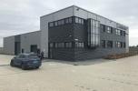 Sprzedam zorganizowane przedsiębiorstwo produkujące drzwi z nowoczesną halą w okolicach Poznania