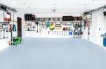 Wyposażenie garażu - wieszaki, półki. Inwestycja w rozwój i promocję